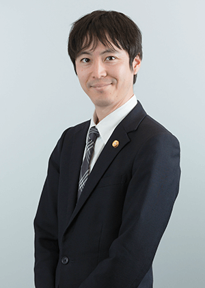 シニアアソシエイト 弁護士 沖田 翼